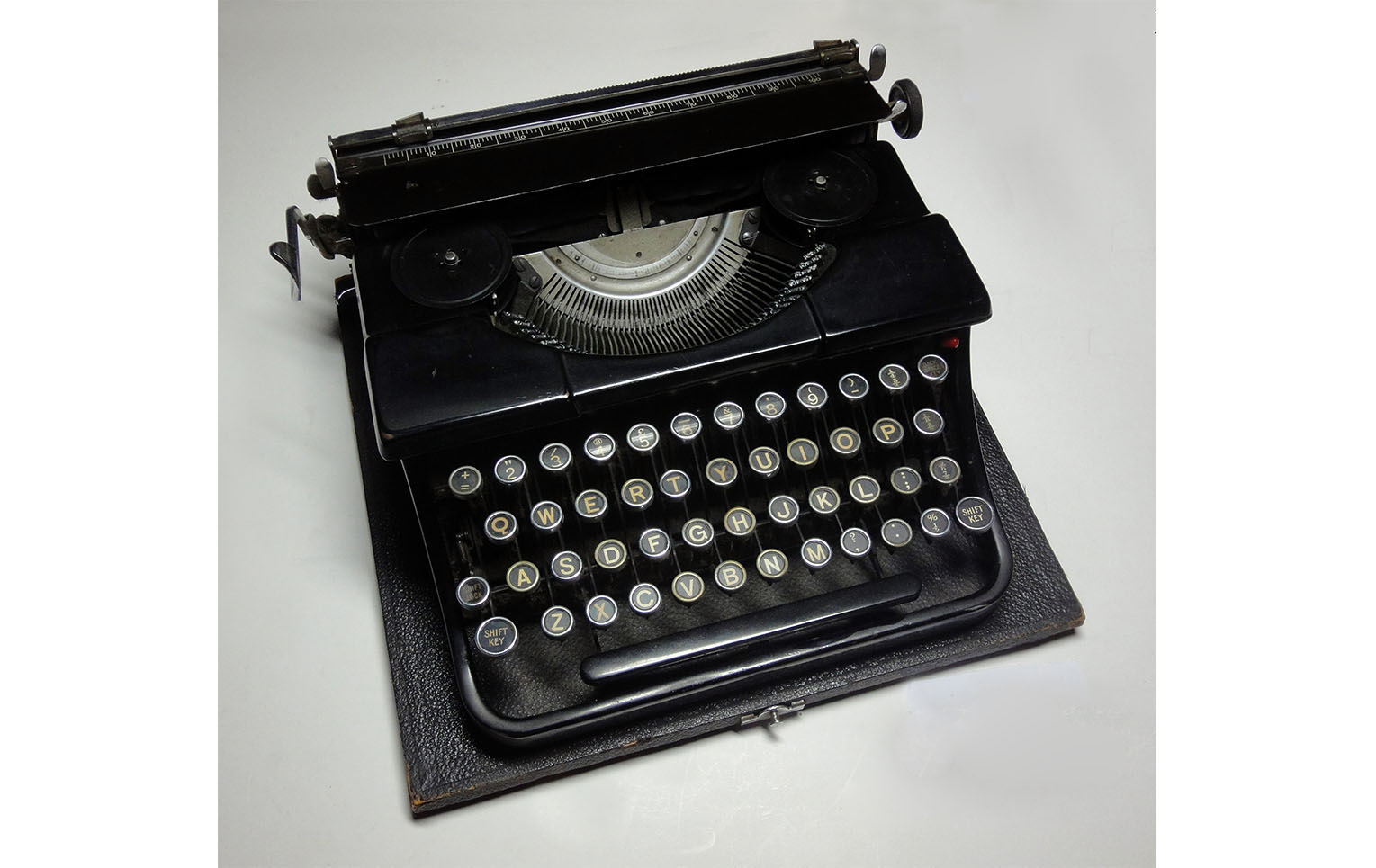 'Blue bird' typewriter used by Miss Dorothy Stroud, Assistant Curator and Inspectress 1945-1984