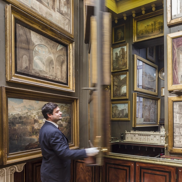 Opening the picture planes in the Picture Room