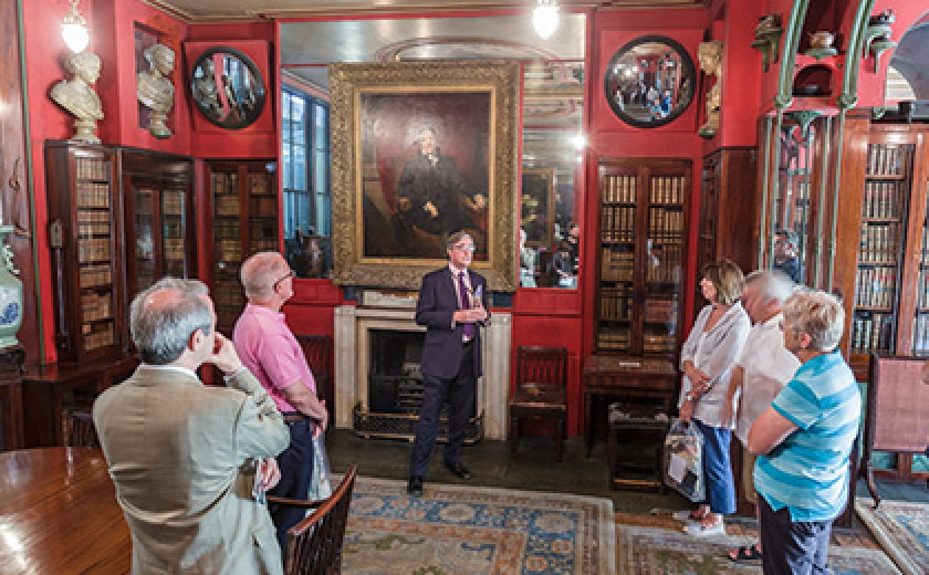 A guided tour in the Library-Dining Room